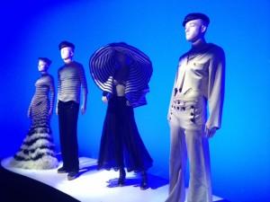 עיצובים של גוטייה בתערוכה