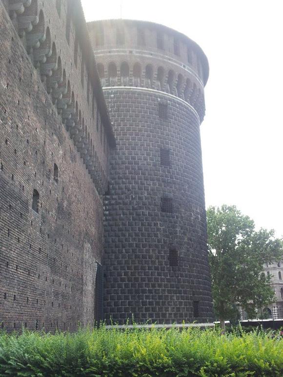 הטירה Sforzesco במילאנו