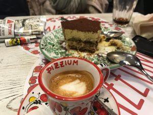 לא לוותר על קפה וקינוח ב- Pizzium. צילום: חגי אשל