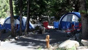 קמפינג ב- Evergreen Lodge